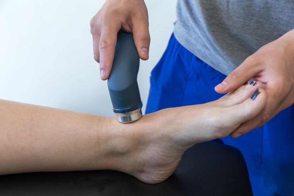 足首捻挫の超音波治療